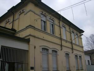 Facciata della Scuola dell'Infanzia con l'ingresso